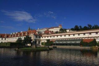Wallenstein garden(valdštejnská zahrada) - Pond with an island