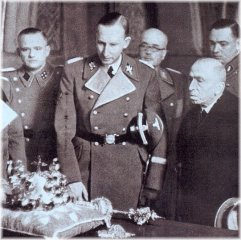 Reinhard Heydrich and State President Emil Hacha view the Crown Jewels