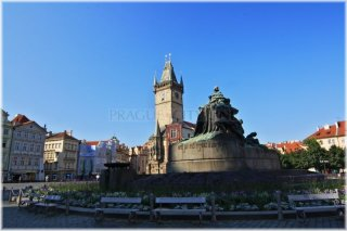 Prague 1,  Old Town Square - Jan Hus Monument